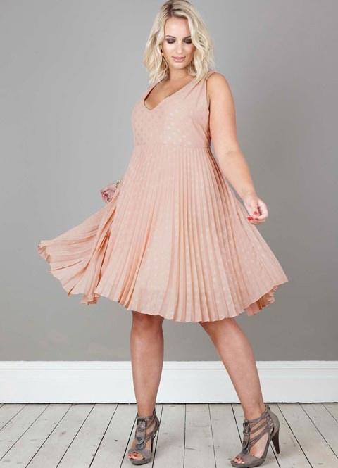 Фасон платья из гофрированной ткани