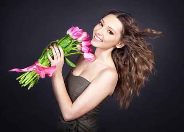 Фото с цветами красивые позы для