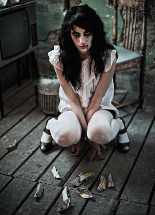 eroticheskie-foto-v-stile-tresh-horror