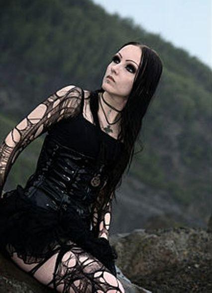 Gothgirl Другие фото. Добавить в друзья. Напиши мне.