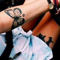 что означает тату бабочка на ноге