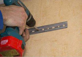 Как повесить кухонные шкафы на стену из гипсокартона7