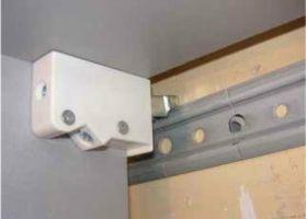 Как повесить кухонные шкафы на стену из гипсокартона8