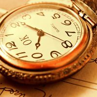 примета дарить часы