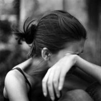 как заставить себя плакать