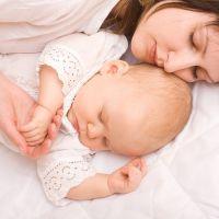 Новорожденный спит только на руках