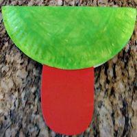 поделки из одноразовых тарелок 37