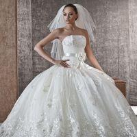 В другом соннике есть информация, согласно которой подобное ночное видение примерять свадебное платье во сне