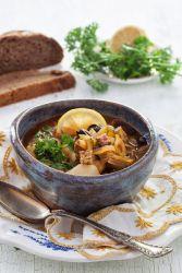 Рецепт солянки с колбасой, мясом и оливками