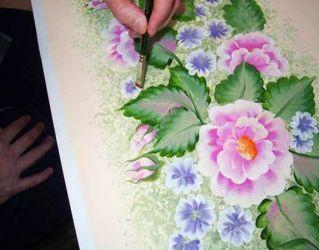Рисунки на стенах своими руками11