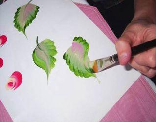 Рисунки на стенах своими руками9