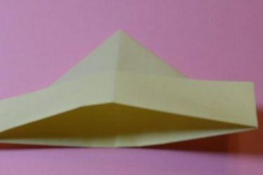 Как сложить кораблик из бумаги-6