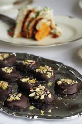Рецепт шоколадных конфет с черносливом