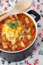 острый куриный суп с рисом