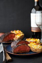 Стейк з яловичини на сковороді