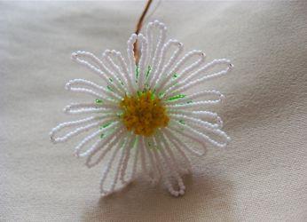 мастер класс цветы из бисера 9