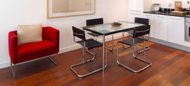 стул на металлокаркасе для кухни