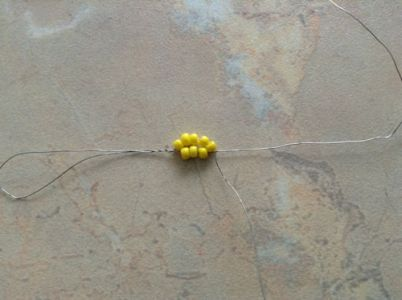 ромашки из бисера 7