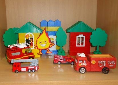 Уголок безопасности в детском саду 2