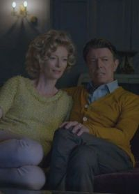 Кадр из клипа Дэвида Боуи и Тильды Суинтон