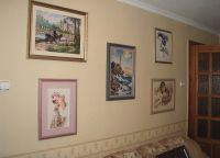 Вышитые картины в интерьере квартиры7