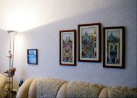Вышитые картины в интерьере квартиры8