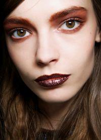 макияж с коричневой помадой 3