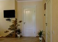 Двери беленый дуб в интерьере