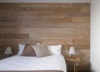 ламинат на стене в спальне 1