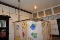 Карниз в ванную комнату угловой
