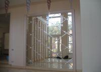 Зеркальная стена в прихожей -3