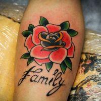 Что означает роза тату 5