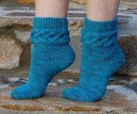 Вязаные спицами носки с узором 1