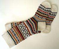 Вязаные спицами носки с узором 3