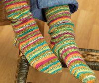 Вязаные спицами носки с узором 6