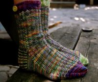 Вязаные спицами носки с узором 8