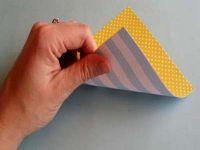 как сделать из двусторонней бумаги вертушку 2