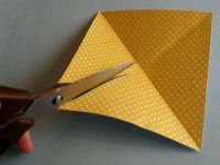 как сделать из двусторонней бумаги вертушку 3