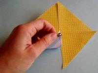 как сделать из двусторонней бумаги вертушку 5