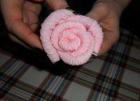 как сделать розу из салфетки15