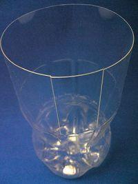 как сделать вазу из пластиковой бутылки3