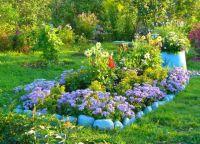 как украсить цветами дачный участок 3