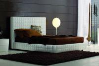 Кровать с кожаным изголовьем2
