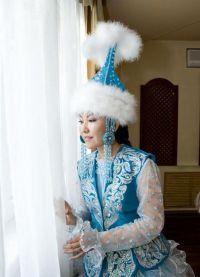 казахская национальная одежда 8