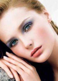макияж под бирюзовое платье 9