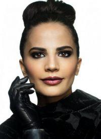 макияж под черное платье 5