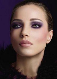 макияж под черное платье 7