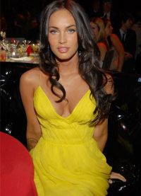 макияж под желтое платье 8