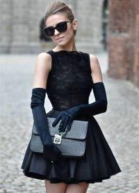 с чем носить черное платье без рукавов 12