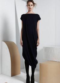 с чем носить черное платье без рукавов 6